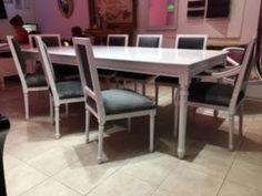 Juego de mesa Luis VXI + 8 sillas tapizadas en pana color gris plata  Av. Santa Rosa 2173, Castelar, Buenos Aires. Contacto: 2077-3494 WhatsApp: 1130715691