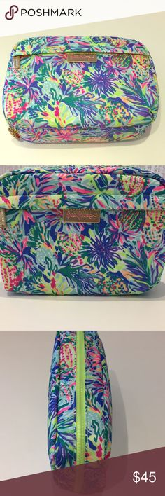 Travel cosmetic case Don't forget your makeup! Lilly Pulitzer Bags Cosmetic Bags & Cases