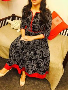 Salwar Designs, Kurta Designs Women, Kurti Designs Party Wear, Simple Gown Design, Simple Kurta Designs, Dress Neck Designs, Blouse Designs, Churidhar Designs, Salwar Pattern