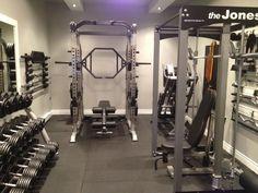 55 Modern Home Gym Inspiration Ideas - Room Dynamic Home Gym Basement, Home Gym Garage, Diy Home Gym, Home Gym Decor, Gym Room At Home, Workout Room Home, Workout Rooms, Basement Remodeling, Workout Gear