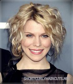 Top 20 Female Short Curly Hairstyles