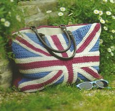 Crochet Union Jack Bag Pattern ( Red White and Blue Bag Pattern )