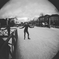 #iceskating in #stockholm ? Ah wish it would be as easy as #posing 😂 #wintertime #sweden #christmasinsweden #babyitscoldoutside #poseforthecamera #bwphotography #blackandwhitephoto #lomography #analogue #fisheye @stockholm_insta