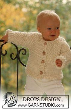 Miss Mossy Jacket / DROPS Baby 16-16 - Gestrickte Jacke mit angestrickten Ärmeln für Babys und Kinder in DROPS Eskimo