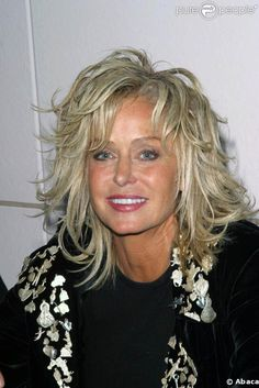 Farrah Fawcett-- love her hairFarrah kept her gorgeous looks for many years, giving in to too much bad plastic surgery later in her life, and a long illness with cancer at the end which took her life at age A George Vreeland Hill post. Medium Hair Cuts, Short Hair Cuts, Medium Hair Styles, Curly Hair Styles, Farrah Fawcett, Corpus Christi, Shag Hairstyles, Layered Hair, Great Hair