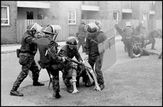Ian Berry, British soldiers drag ringleaders from the rock throwing mob and beat them severely, Londonberry, Northern Ireland, 1971 British Armed Forces, British Soldier, British Army, Derry Ireland, Northern Ireland Troubles, Derry City, Irish Republican Army, Uk Arms, John Wayne Gacy