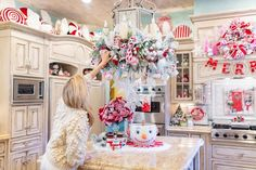 Candy Land Christmas, Christmas Room, Merry Christmas To All, Christmas Kitchen, Winter Christmas, Christmas Wreaths, Christmas Decorations For The Home, Xmas Decorations, Christmas Themes