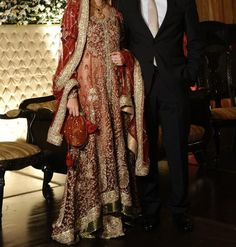 Ask us anything shaadi related! Pakistani Couture, Pakistani Bridal Wear, Pakistani Wedding Dresses, Bridal Dresses, Wedding Outfits, Wedding Gowns, Pakistan Bride, Walima Dress, Mehendi Outfits