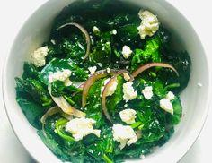 Spenót fetával, lilahagymával - HENI SÜT NEKED Seaweed Salad, Palak Paneer, Feta, Brunch, Ethnic Recipes