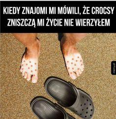 Humor, Sandals, Funny, Wattpad, Pug, Shoes Sandals, Humour, Funny Photos, Funny Parenting