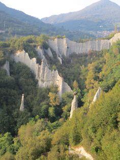 #Zone #Brescia #Italy Piramidi di Zone http://itineraribrescia.it/itinerario/le-piramidi-di-zone/