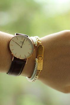 daniel wellington brown leather watch