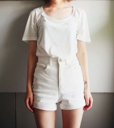 high waisted shorts / white on white / cuffed / loose t