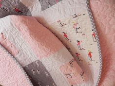 Pink & Grey plus a spotty binding ... perfect. Samelia's Mum: 1 + 2 = Easy Quilt Pattern (Tutorial)