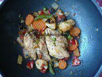 Kuřecí se zeleninou a omáčkou jako z čínské restaurace   Mimibazar.cz Meat, Chicken, Food, Essen, Meals, Yemek, Eten, Cubs