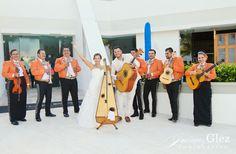 The bride and groom and their mariachi band! blue bay grand esmeralda photos | playa del carmen wedding galleries