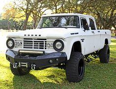 1967 Dodge Power Wagon 200 Crew Cab Old Dodge Trucks, Dodge Pickup, 4x4 Trucks, Diesel Trucks, Custom Trucks, Cool Trucks, Dodge Ram Srt 10, Dodge Ram Van, Dodge Cummins