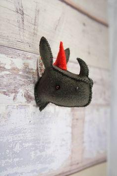 10 Awesome DIY Faux Taxidermy Projects like cardboard deer head...make dinosaur.