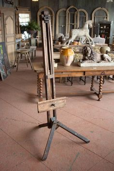 Shop easels and other antique and vintage collectibles from the world's best furniture dealers. Art Nouveau Furniture, Art Furniture, Plywood Furniture, Unique Furniture, Vintage Furniture, Art Studio Room, Art Supplies Storage, Art Easel, Art Nouveau Design
