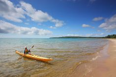 Kayaking in Algoma provides kayakers with spectular landscapes and scenery while taking in the rugged Northern Ontario wilderness. Kayak Boats, Canoe And Kayak, Canoes, Ontario Parks, Wooden Kayak, Lake Superior, Rafting, Outdoor Camping, Beautiful Beaches