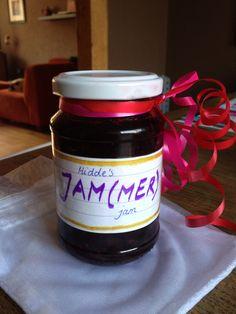 Juf gaat weg... JAMMER-jam Ahh, de juf heeft net afscheid genomen.. wat een geweldig idee! Little Presents, Diy Presents, Little Gifts, Teacher Appreciation Gifts, Teacher Gifts, Diy For Kids, Crafts For Kids, Life Is A Gift, Kids Corner