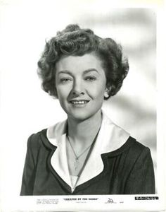 Black and White Portrait of MYRNA LOY in the 1950 Walter Lang Comedy CHEAPER BY THE DOZEN. Tough Times Dont Last, Cheaper By The Dozen, William Powell, Star Show, Myrna Loy, Black And White Portraits, Golden Age Of Hollywood, Famous Faces, Fashion History