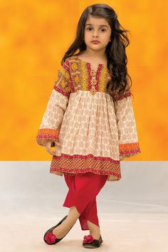 Best Trendy Outfits Part 40 Kids Frocks, Frocks For Girls, Little Girl Dresses, Girls Dresses, Pakistani Kids Dresses, Pakistani Outfits, Baby Girl Dress Design, Kids Gown, Children Dress