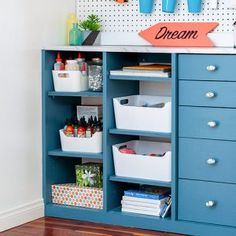 Most up-to-date No Cost Rain Gutter Bookshelves Easy and Cheap DIY Kids Bookshelves Tutorial : Rain Gutt. Suggestions An Ikea kids' space remains to intrigue the little ones, because they are offered much more than Craft Closet Organization, Closet Organizer With Drawers, Shoe Organizer, Organizing, Ikea Kids, Ikea Hacks, Unfinished Pine Furniture, Kids Table With Storage, Gutter Bookshelf