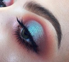 maroon + icy blue halo eye | makeup // pinterest: joiespooks