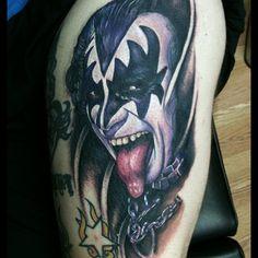 Tattoos and the journey to ink. Kiss Tattoos, Cool Tattoos, Rockstar Tattoo, Tattoo Equipment, Hot Band, Body Painting, Tattoo Artists, Body Art, Tattoo Designs