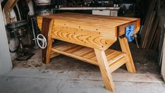 Unique Woodworking, Woodworking Hand Tools, Woodworking Workbench, Woodworking Projects, Welding Projects, Woodworking Workshop, Craftsman Workbench, Small Workbench, Workbench Plans