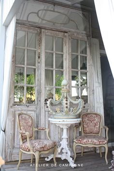 Mirrored Doors & Italian Crown