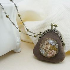 Light brown mini purse frame necklace with floral print glass cabochon brooch Vintage style fabric pendant Antique bronze tone chain(NE-011)