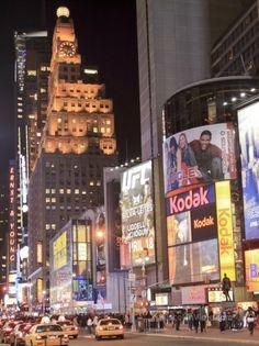 http://www.buscounviaje.com/ficha/nueva-york-bienvenidos-a-la-gran-manzana-158401?utm_source=Pinterest&utm_medium=Social%20Media&utm_campaign=pinterestdiario  ¿Os gustaría pasar el verano en la Gran Manzana? Si has levantado la mano reserva este fabuloso viaje a Nueva York