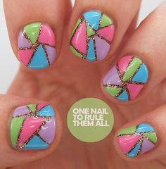 Diseños de Uñas multicolores para el Verano 4