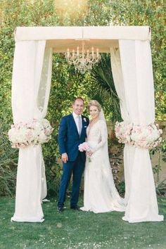 If this is glamorous, then we don't know what is: http://www.stylemepretty.com/california-weddings/2014/09/16/glamourous-palm-springs-wedding-at-the-parker-palm-springs/ | Photography: Mi Belle - http://mibelleinc.com/
