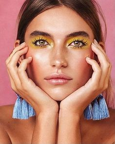 Have you ever seen an eye makeup look that you dreamed to recreate? You don't have to be a make-up artist to apply eye shadow, but there is some professional advice that you should take Makeup Trends, Makeup Inspo, Makeup Art, Makeup Inspiration, Beauty Makeup, Hair Makeup, Beauty Trends, Makeup Ideas, Fashion Editorial Makeup