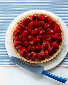 Strawberry Tart - Martha Stewart Recipes ~ this is such a great summer dessert and easy to make! Mothers Day Desserts, Just Desserts, Delicious Desserts, Potluck Desserts, Dessert Recipes, Dessert Food, Strawberry Desserts, Strawberry Pie, Tart Recipes