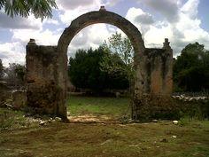 Tacchebila Arch entrance