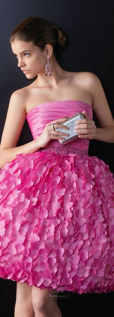 get ready anyone who's gonna be a bridesmaid in my wedding... this is my idea of the perfect dress for you all.