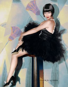 Louise Brooks 1928 colorized and restored Art Deco image Vintage Hollywood, Hollywood Glamour, Hollywood Stars, Hollywood Actresses, Classic Hollywood, Louise Brooks, Vintage Glamour, Vintage Beauty, Divas