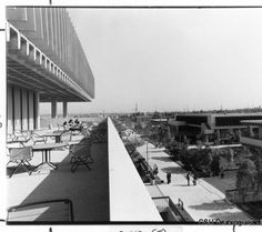 Campus library - fourth floor balcony :: California State University, Dominguez Hills Photograph Collection