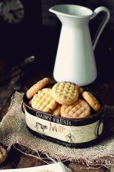 Galletitas 3, 2, 1 300g de harina 200g de mantequilla a temperatura ambiente 100 g de azúcar