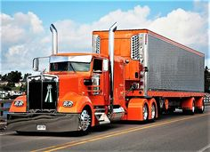 Kenworth custom with matchin reefer Show Trucks, Big Rig Trucks, Classic Tractor, Classic Trucks, Custom Big Rigs, Custom Trucks, Kenworth Trucks, Pickup Trucks, Peterbilt 379