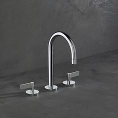 Perfectly on the cusp of traditional and modern, the London range by The Watermark Collection is a streamlined look at classic brassware, stripping down familiar forms into clean, contemporary lines.  Two handle types, Cross and Lever, lend sculptural presence to a collection which includes bath, basin, shower and kitchen taps thewatermarkcollection.eu
