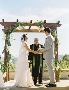 Wedding arbour--I think I'm gonna have my dad make me one for my wedding and can put it in our backyard after :) :)