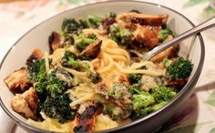 Skinny Chicken & Broccoli Alfredo..maybe with spaghetti squash instead of fettucine?
