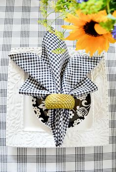FAVORITE SUMMER NAPKIN FOLDS - StoneGable - - Make summer easy and pretty with these super fun, attention grabbing napkin folds! It's as easy as 2 Get out those cloth napkins and use the! Napkin Ring Folding, Bunny Napkin Fold, Christmas Napkin Folding, Christmas Tree Napkins, Folding Napkins, How To Fold Napkins, Napkin Rings, Linen Napkins, Cloth Napkins