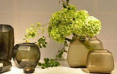 GUAXS is a family based German company which focuses on creating high-quality interior design objects and lighting. Flower Planters, Flower Vases, Flower Art, Ikebana Flower Arrangement, Floral Arrangements, Ikea Vases, Room Scents, Table Flowers, Cut Glass