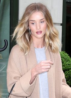 How does she do it? She's well-known for her love of fashion and supermodel Rosie Huntington-Whiteley pulled out the stops once again on Sunday when she headed out in New York